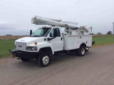Altec L37MR Material Handling Bucket Truck