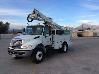 Altec AT37G Articulating & Telescopic Bucket Truck