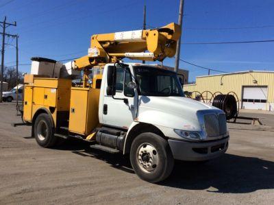 HiRanger/Terex TL41M Material Handling Bucket Truck