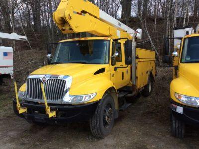 Altec A50E-OC Material Handling Bucket Truck