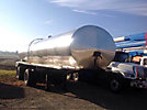 1976 Almont 5400 gallon Stainless Steel T/A Tank Trailer