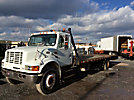 2001 International 4700 Dove Tail Truck