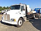 2002 Kenworth T300 Flatbed Truck