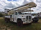 Altec AA600-P, Bucket Truck rear mounted on 1992 Ford F700 Flatbed/Utility Truck