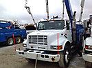 Altec AA755L, Material Handling Bucket Truck, rear mounted on, 2001 International 4900 T/A Utility Truck