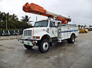 Altec AM600-MH, Over-Center Material Handling Bucket Truck, rear mounted on, 1999 International 4800 4x4 Utility Truck