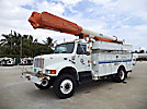 Altec AM855-MH, Over-Center Material Handling Bucket Truck, rear mounted on, 2000 International 4800 4x4 Utility Truck