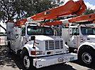 Altec AM855-MH, Over-Center Material Handling Bucket Truck rear mounted on 2001 International 4900 Utility Truck