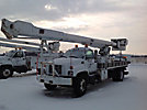 Altec AM900, Bucket Truck, rear mounted on, 2000 GMC C7500 Flatbed Truck