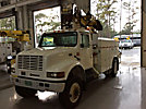 Altec D842-BC, Digger Derrick corner mounted on 1998 International 4800 4x4 Utility Truck