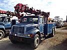 Altec D845A-TR, Digger Derrick rear mounted on 2001 International 4700 Utility Truck