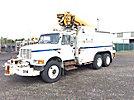 Altec D945-BC, Digger Derrick corner mounted on 1996 International 4900 T/A Utility Truck