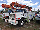 Altec D945-TR, Digger Derrick rear mounted on 1996 International 4800 4x4 Utility Truck