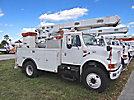 Altec L42A, Over-Center Bucket Truck, center mounted on, 2001 International 4800 4x4 Utility Truck