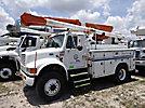 Altec L42A, Over-Center Bucket Truck center mounted on 2000 International 4800 4x4 Utility Truck