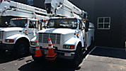 HiRanger 50-OM, Material Handling Bucket Truck, rear mounted on, 1999 International 4700 Utility Truck