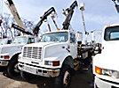 Hiab 071-2AW, Hydraulic Knuckle Boom Crane mounted behind cab on 2000 International 4800 4x4 Flatbed Truck