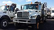 Hiab 085-E-2, Hydraulic Knuckle Boom Crane mounted behind cab on 2003 International 7400 4x4 Flatbed Truck