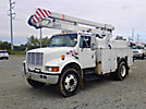 Holan 83G-42-3, Bucket Truck, center mounted on, 2001 International 4700 Utility Truck
