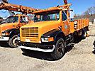 King TK11, Derrick, corner mounted on, 1990 International 4900 Flatbed Truck