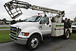 Telsta T40, Bucket Truck center mounted on 2004 Ford F650 Utility Truck