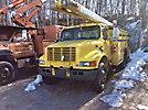 Terex/Telelect/HiRanger SC42, Over-Center Bucket Truck, center mounted on, 2001 International 4900 Utility Truck