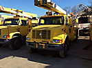 Terex/Telelect/HiRanger SC45, Over-Center Bucket Truck, center mounted on, 2000 International 4900 Utility Truck