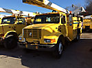 Terex/Telelect/HiRanger SC45, Over-Center Bucket Truck, center mounted on, 2001 International 4900 Utility Truck