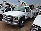UTEC ATEL33DC, Telescopic Non-Insulated Bucket Truck, mounted behind cab on, 2001 Chevrolet C3500 Service Truck