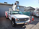 Versalift, Telescopic Non-Insulated Bucket Truck, mounted behind cab on, 1991 GMC K3500 4x4 Service Truck