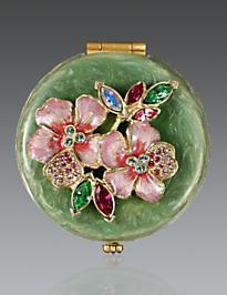 Kathleen Floral Cluster Compact - Rose Celadon