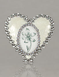 Dominique Enamel Heart Frame - Crystal Pearl