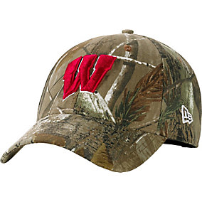 Wisconsin Badgers Realtree Collegiate Cap