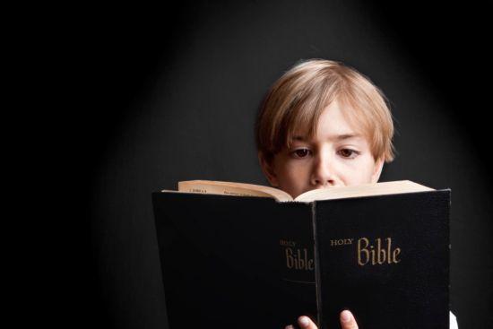 Estude Inglês lendo e ouvindo a Bíblia