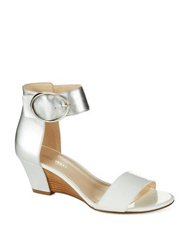 NINE WESTVentana Sandals