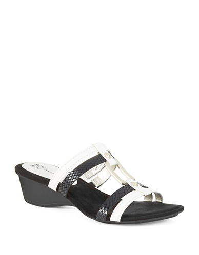 ANNE KLEIN Olavio Sandals