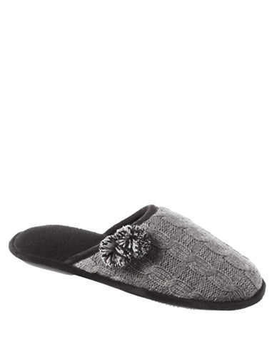 ISOTONER Signature Holiday Cable Sweater Knit Clog Slippers