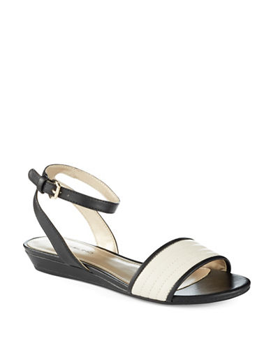 BANDOLINOAdecyn Sandals