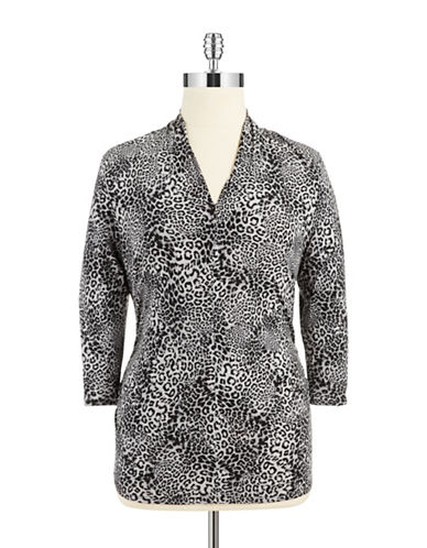 VINCE CAMUTO PLUS Plus Ruched Leopard Top