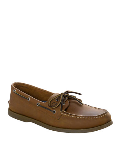 SPERRY TOP-SIDER Sahara A/O 2-Eye Leather Boat Shoe - Smart Value
