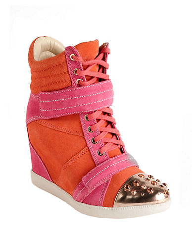 BOUTIQUE 9 Nevan Suede Wedge Sneakers