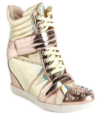 BOUTIQUE 9 Nevan Metallic Leather Wedge Sneakers