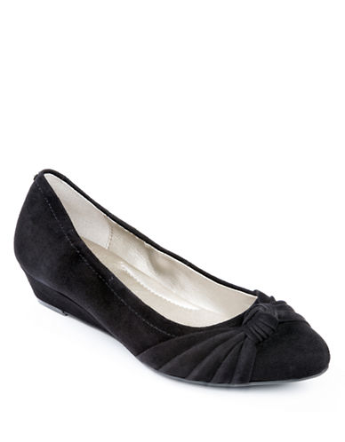 ME TOOHaven Pleated Suede Wedges