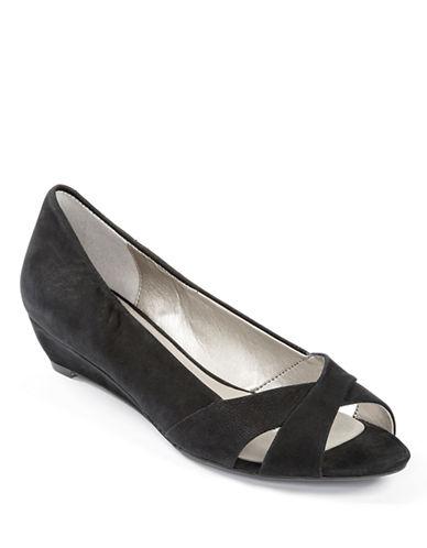 ME TOOPercy Nubuck Wedge Sandals
