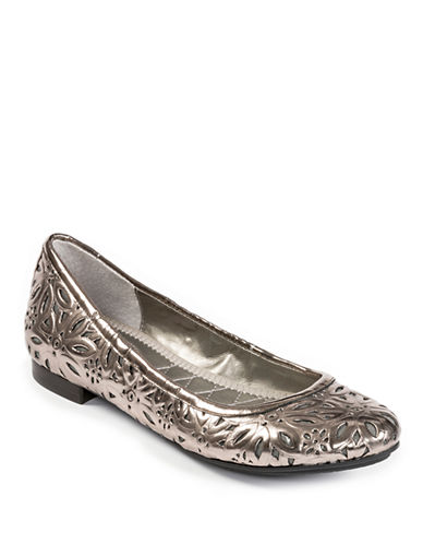 ME TOO Alyse Metallic Faux Leather Flats