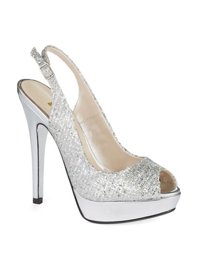 E!LIVE FROM THE RED CARPETIsis Peep Toe Pumps