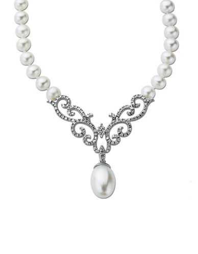 LORD & TAYLOR Pearl and Diamond Necklace in 14 Kt. White Gold 0.38 ct. tw 8MM