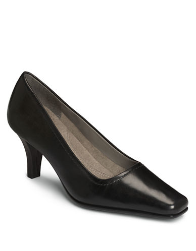 AEROSOLES Envy Lizard-Embossed Pumps