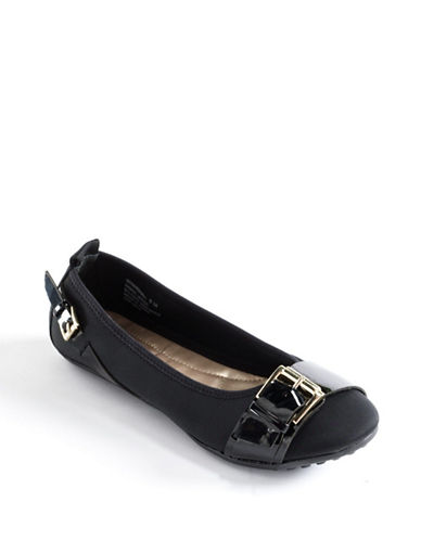 BANDOLINO Marshall Buckle-Accent Driving Flats