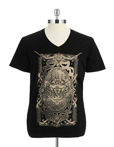GUESSV Neck Graphic T Shirt